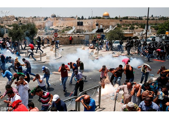 Angelus: Pope appeals for dialogue after Jerusalem violence