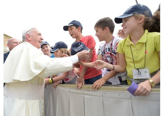 """教宗公開接見:""""希望療法""""從傾聽開始"""