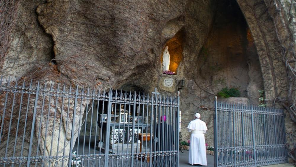 Una-se ao Papa para a oração do Terço