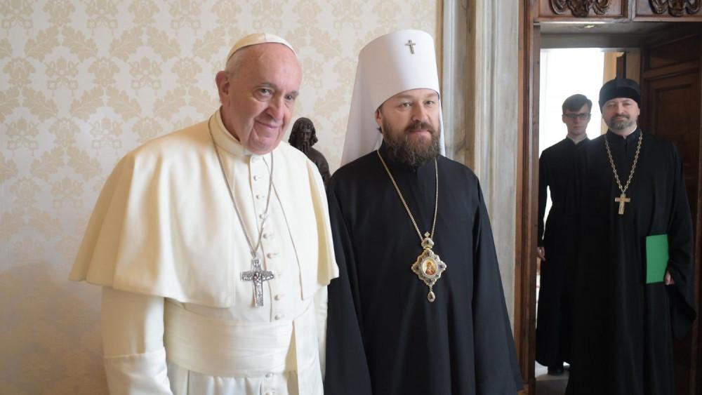 Hilarion com o Papa: trabalhando juntos para proteger os cristãos