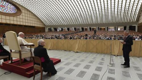 教宗方濟各:願人人獲得所需的藥物,免於歧視