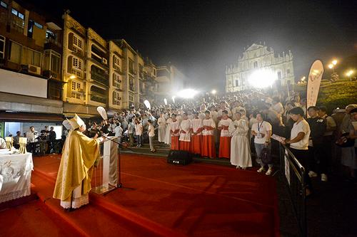 相隔十五載 大三巴再舉行聖祭 李主教:教會的本質與使命就是傳教