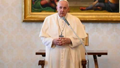 教宗公開接見:基督的十字架是希望的燈塔