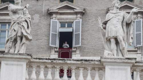 教宗三鐘經:教會應竭盡全力服務貧困者和弱小者