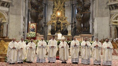 教宗祝聖九位新司鐸:你們要做牧人,而非企業家!