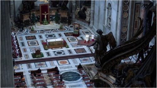 聖伯多祿大殿的彌撒:滿足信眾的需求