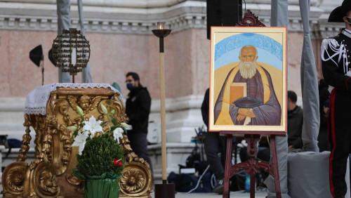 新真福奧林托神父:天主的乞丐